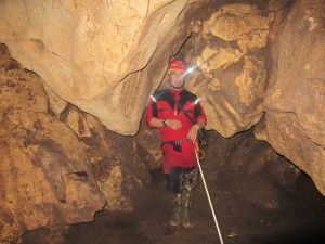 mesjid-cave